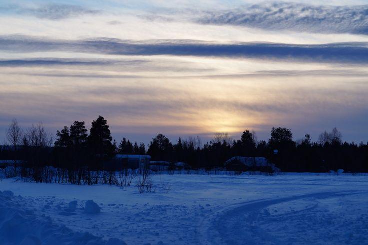 Amanecer en Kalix, norte de Suecia. Febrero.