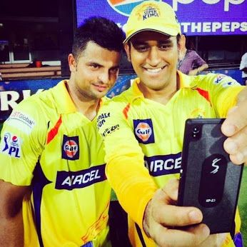 CSK's MS Dhoni​ & Suresh Raina​ click a selfie after yesterday's win.