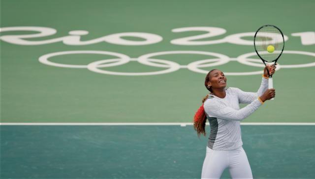 Fourhand: Venus Williams fends off awkwardness in Rio