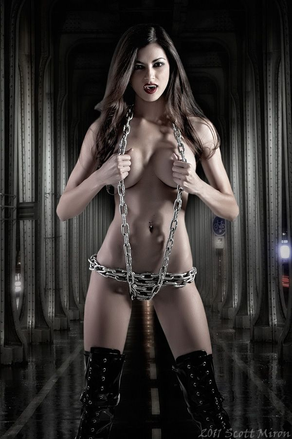 hot-sexy-naked-vampire-girls