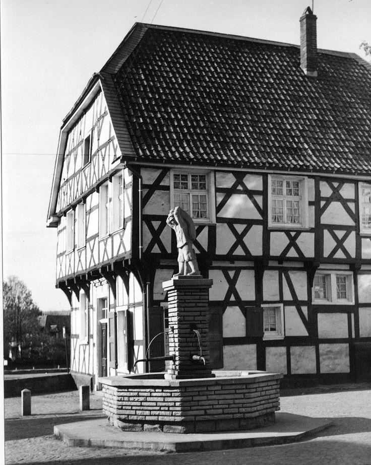 Sackträgerbrunnen, 30er Jahre, Herdecke Historische
