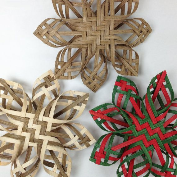 Woodland star design by Baskauta27. It marries an old German star / Swedish advent star design with the Native American tradition of plait weaving. Beautiful.