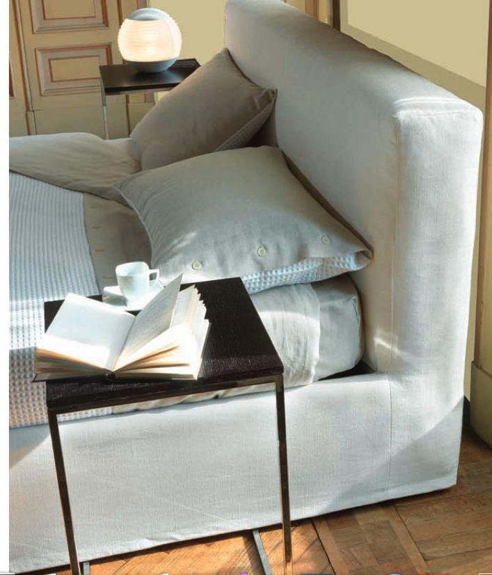Dettaglio testata letto moderno Newport Tino Mariani.