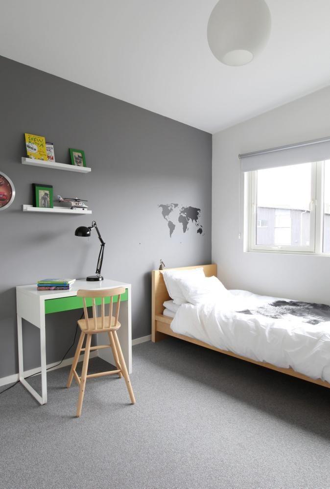 KONTRASTFARGE: Barnerom i grått og hvitt med grønn som frisk kontrastfarge.