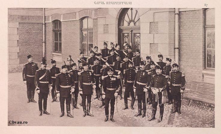 """Al 3-lea Regiment Dâmboviţa nr. 22, 1902, Romania. Ilustrație din colecțiile Bibliotecii Județene """"V.A. Urechia"""" Galați. http://stone.bvau.ro:8282/greenstone/cgi-bin/library.cgi?e=d-01000-00---off-0fotograf--00-1----0-10-0---0---0direct-10---4-------0-1l--11-en-50---20-about---00-3-1-00-0-0-11-1-0utfZz-8-00&a=d&c=fotograf&cl=CL1.19&d=J089_697980"""