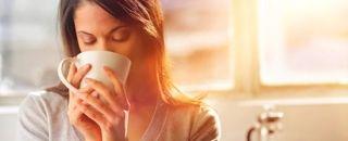 Większość z nas zdaje sobie sprawę z tego, że kawa wypita popołudniu lub wieczorem może spowodować problemy z zaśnięciem. Jednak...
