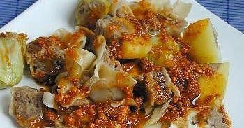 Siomay adalah makanan dari Indonesia yang mirip dengan Dim Sum Cina yang terbuat dari ikan daging ikan tenggiri dan berbentuk kerucut. Baha...