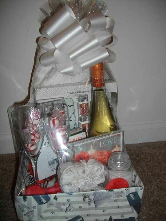 Wedding /Wine Gift Basket Gift bags/baskets Pinterest