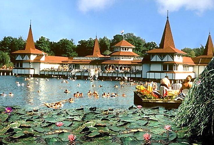 Heilwasser von Hévíz: der größte Thermalsee der Welt!