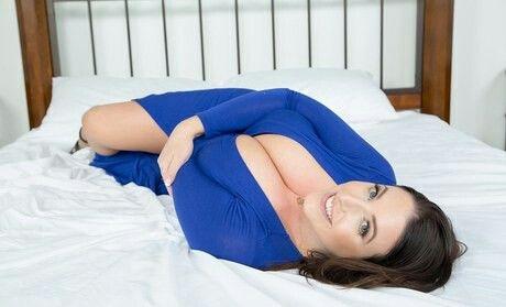 Angela White 4