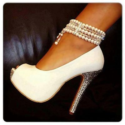 Use a pearl bracelet as an anklet to make a fab touch to your heels