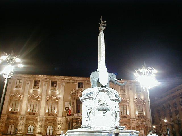Piazza Duomo Catania Fontana del Liotro