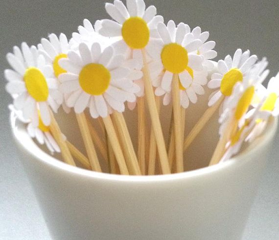 24 Daisy Party Toothpicks - White and Yellow Party Toothpicks / Cupcake Toppers on Etsy, $2.50