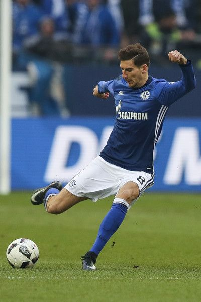 Leon Goretzka of Schalke plays the ball during the Bundesliga match between FC Schalke 04 and FC Ingolstadt 04 at Veltins-Arena on January 21, 2017 in Gelsenkirchen, Germany.