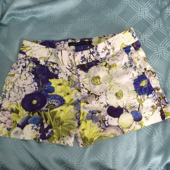 Zara woman floral shorts Gorgeous. Fit true to size. Perfect summer essential Zara Shorts