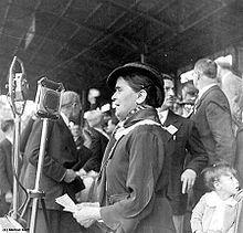 Suzanne Lacore née en (1875-1975). 1906 Elle devient militante socialiste au sein de SFIO.  En 1936, elle fait partie des trois femmes ministres du Front populaire alors qu'elle n'avait pas encore ni le droit de vote  ni celui d'être élue.
