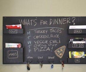 Familie planbord in de keuken. #keuken #kitchen #planbord #kookboeken