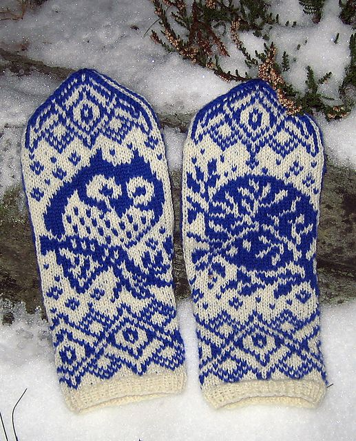 Warm woolen mittens Ravelry: Moon Owl pattern by Natalia Moreva