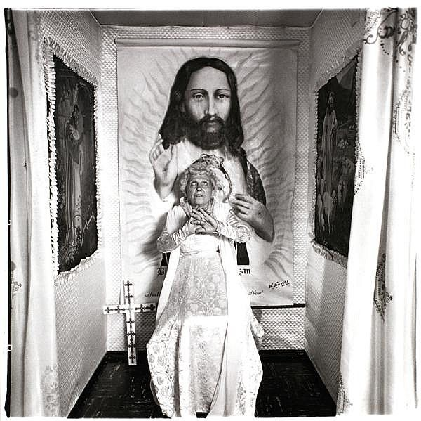Diane ARBUS :: Bishop at the Altar, Santa Barbara, CA, 1964