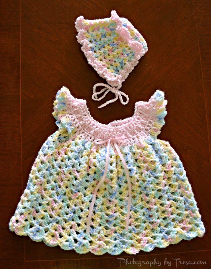 Baby dress and bonnet
