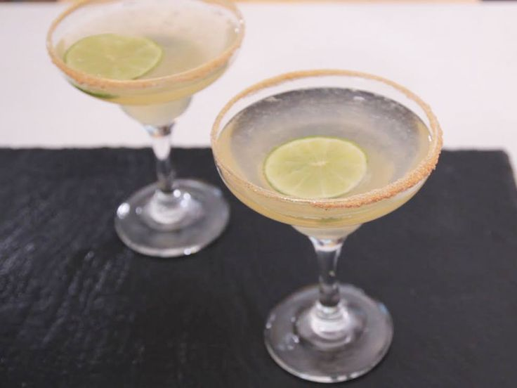 La soupe champenoise est un apéritif traditionnel originaire de la région Champagne-Ardenne. Comme son nom l'indique, il est composé de champagne et constitue...