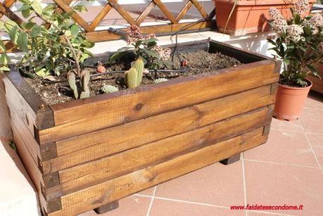 Costruire una fioriera in legno idee per la casa for Costruire fioriera legno