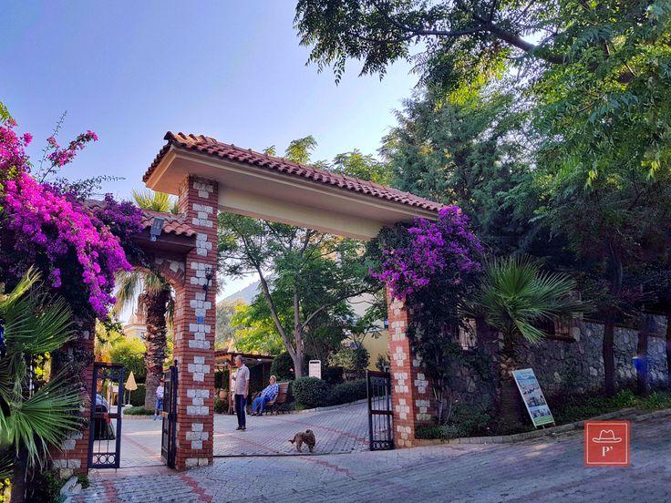 Perdikia Hill Fethiye, Perdikia Hotels grubuna bağlı güzel bir Ölüdeniz oteli. Tam bir aile oteli olan Perdikia Hill Fethiye, her şey dahil konaklama hiz...