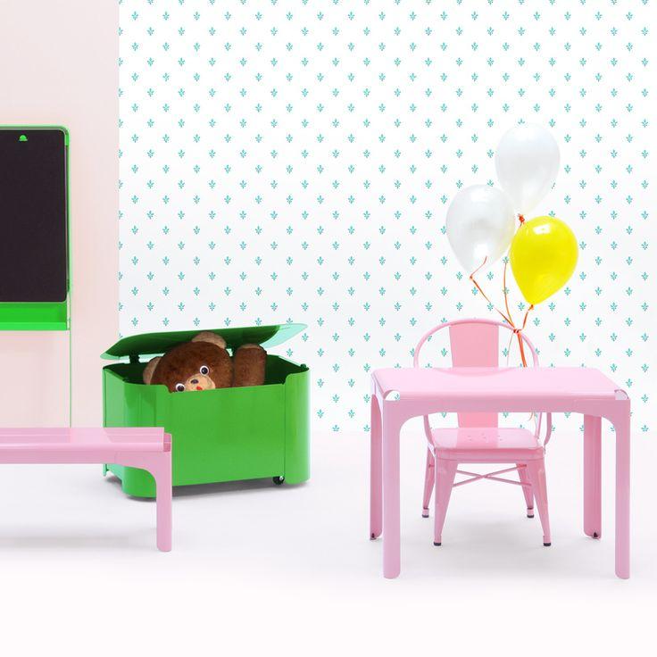 Petit bureau pour enfants et coffre à jouets #kids #rangement #inspiration #tolix #silveraeshop #silveraactu