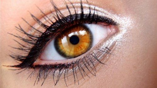 Le style grec 3 Façons spectaculaires pour délimiter ses yeux