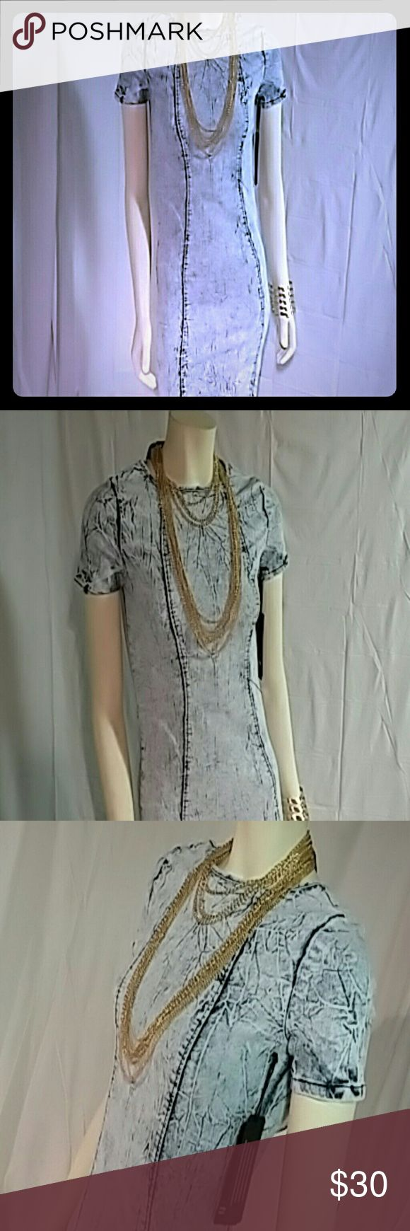 Denim midi bodycon dress Denim bodycon dress light acid wash is 95% cotton 5% spandex great denim dress for the spring weather ahead make an offer ladies or bundle two items and get 20% off Dresses