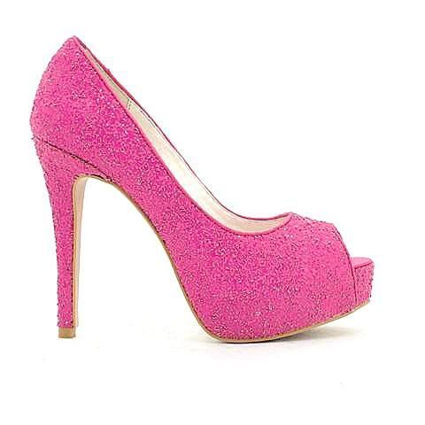 ESSENTIAL heel in magenta/glitter. #mybetsonBetts #BettsRaceDayReady #BettsShoes #shoes #heels