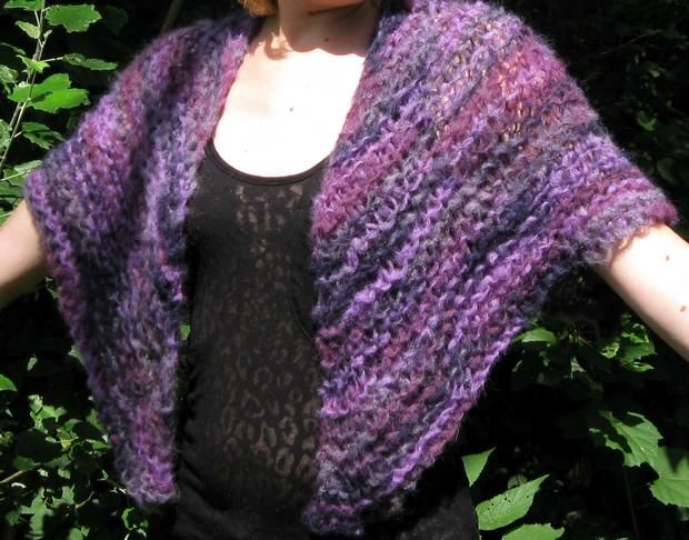 Knitting Stitches And Patterns Diana Biggs : Cloud On Her Shoulders Shawl - Knitting Patterns and Crochet Patterns from Kn...