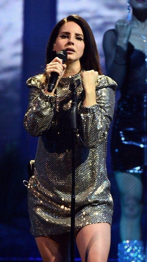 Feb.16, 2018: Lana Del Rey performing in Las Vegas, NV #LDR #LA_to_the_Moon_Tour