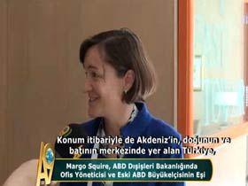 Margo Squire, ABD Dışişleri Bakanlığında Ofis Yöneticisi ve Eski ABD Büyükelçisinin Eşi Video