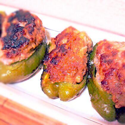 冷凍してた挽き肉使わなきゃ~って事で…緊急にピーマンの肉詰め~☆ 今日のオツマミにしよ♥ - 60件のもぐもぐ - 焦げた~(≧Д≦)ピーマンの肉詰め by sakezuki