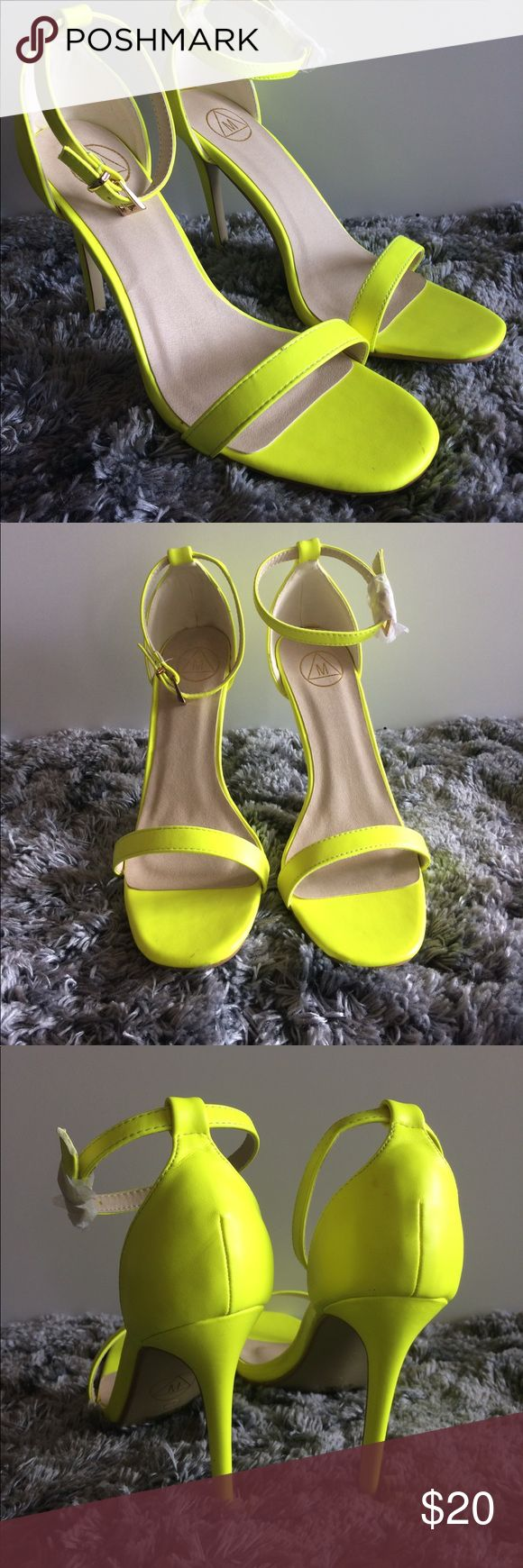 Misguided neon yellow heels 🌼Misguided neon yellow heels perfect for spring dress up or dress down with a pair of jeans.I love these ....well almost I bought them one size too large size 9.  These cuties need a new home. 🌼all offers welcomed 🌻 Shoes Heels