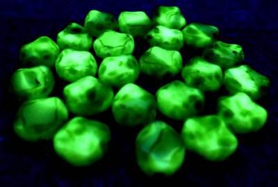 """Lot of 30 Pcs Vtg Czech Uranium Vaseline GREEN WHITE Glass Ovals Beads 3/8"""" 9mm by MuchMoreThanButtons on Etsy"""