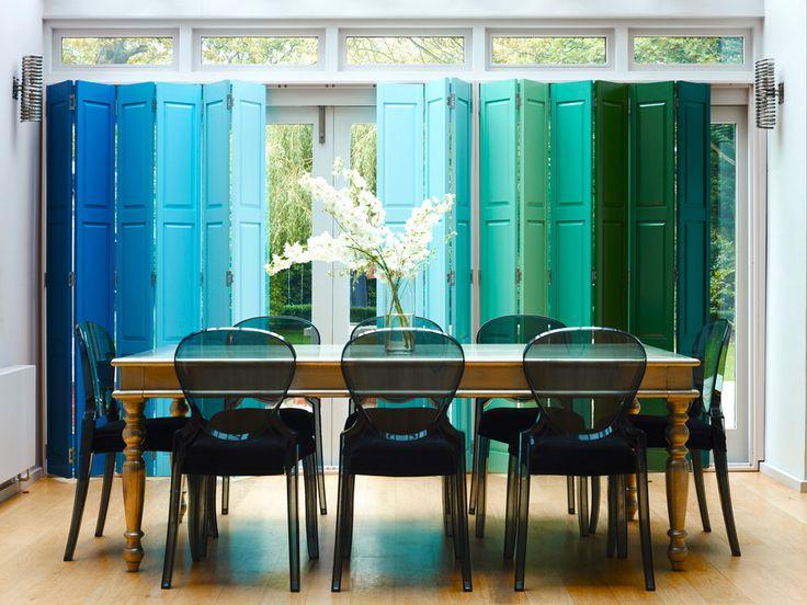 Ставни в оформлении интерьера  Ставни принято воспринимать элементом фасада здания. Современные дизайнерские решения отходят от привычных стереотипов, предлагая использовать ставни вместо штор. Такой прием не только модный, но и спасает от летнего солнца.  #дизайн #интерьер #дизайнинтерьера #мебель #дизайнерскаямебель #мебельныйтекстиль #коллекциятканей #мебельныеткани #фурнитура #новаяколлекция #красиваямебель #уютныйдом #дом #квартира #дизайнерскиерешения #текстиль #ткани #нубук…
