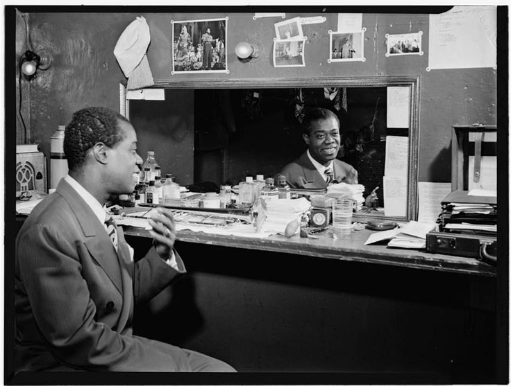 Portrait of Louis Armstrong at the Aquarium, New York City: photo by William P. Gottlieb, c. July 1946 (William P. Gottlieb Collection, Music Division, Library of Congress)