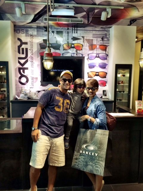 Angga 'Maliq', Melanie Putria and their son at Oakley Grand Indonesia store