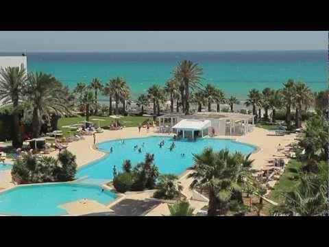On dit que la plage de Mahdia est l'une des plus belles en Tunisie de par la qualité de sa mer, toujours transparente, dont la limpidité fait penser à un atoll des Maldives, à deux heures de Paris ! Tel est bien le cas au Thalassa Mahdia avec sa mer translucide...