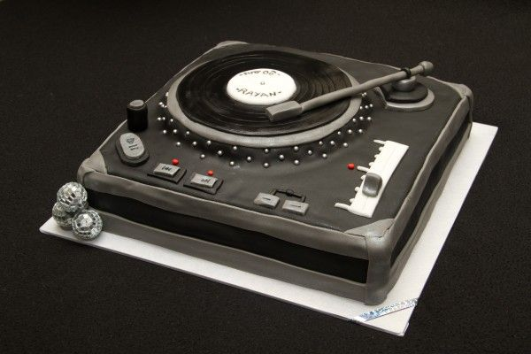 lala 39 s cakes platine dj yum 39 pinterest dj cake cake and custom cake. Black Bedroom Furniture Sets. Home Design Ideas