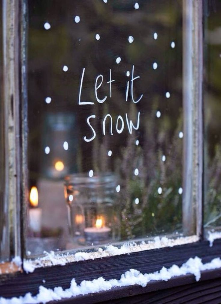 chalk pen on windows // So Easy! Simple & Sweet Holiday Window Decorations