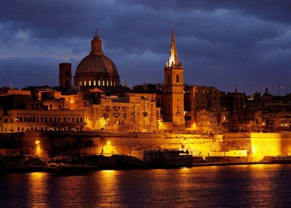 Valletta under evening clouds 城塞都市バレッタ(マルタ共和国)