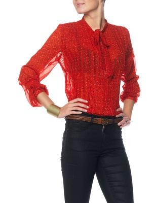 Simple y elegante en rojo.