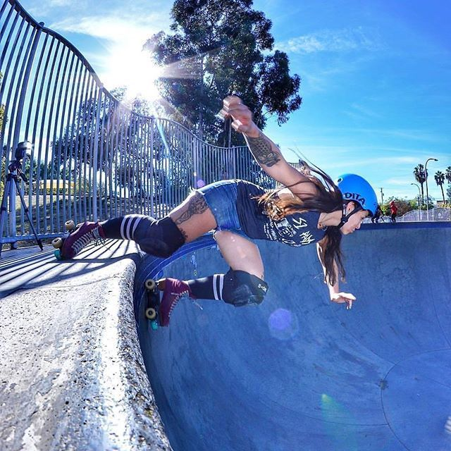 Day 25 Skate Park Let S Take It Outside Shared From Anticliquezine And S1rollerskate Cause It S Such An Amazing Shot Skate Park Roller Derby Culver City