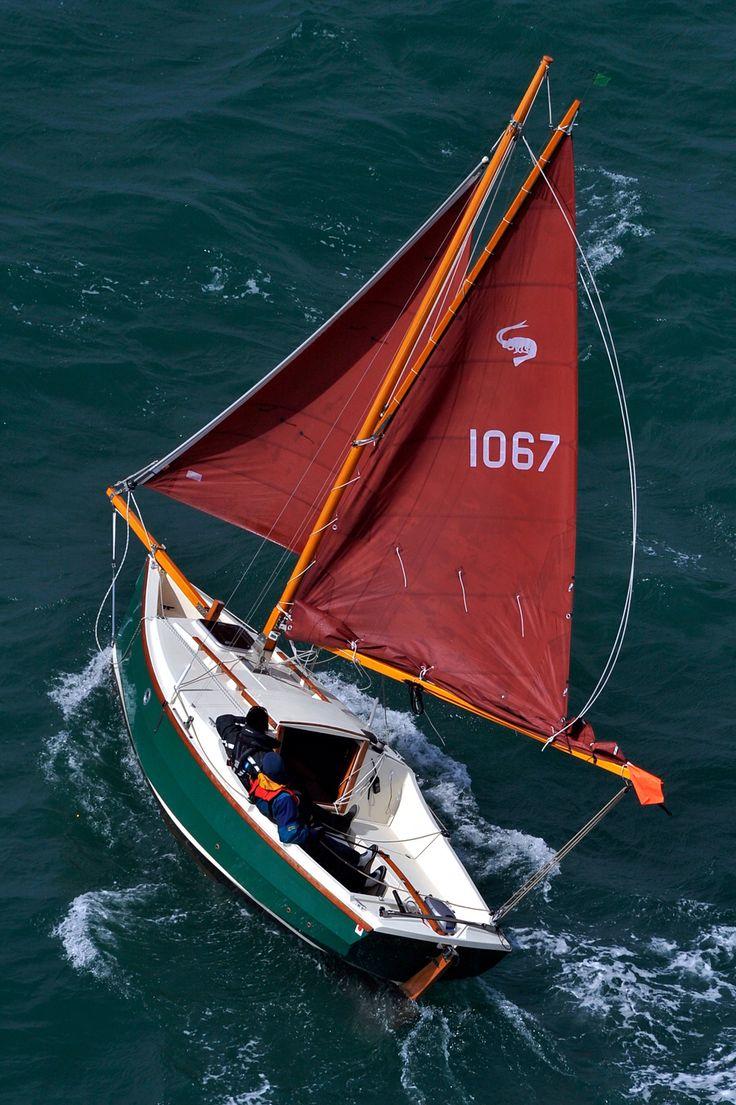 Round the Island Race in a Cornish Shrimper. Sailing.