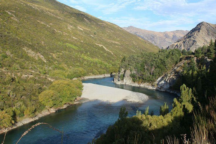 Kawarau River, view from Waitiri Loop Walk - Gibbston Wine Region - Central Otago