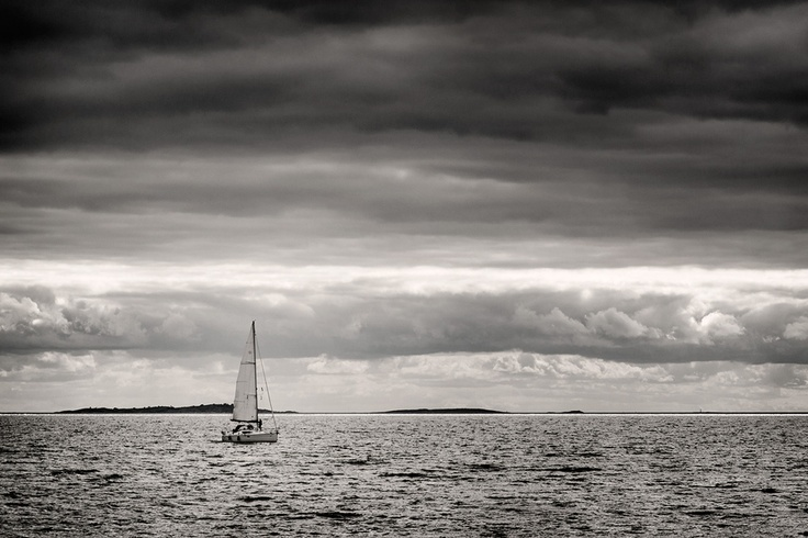 Sailing  http://500px.com/photo/9583085