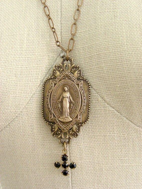 <3: Etsy 34 00, Amytheist Crosses, Vintage Madona, Mary Vintage, Style Necklaces, Jewelry Things, Vintage Catholic Jewelry, Etsy Vintage, Vintage Style